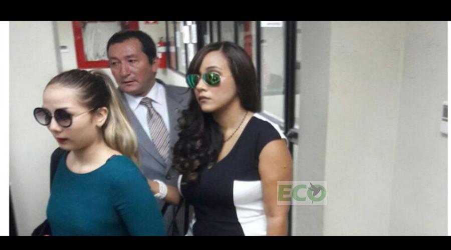"""Inicio ·Noticias · Artículo Exjueza Lorena Collantes envía """"amor y paz"""" tras rendir su versión en la Fiscalía"""