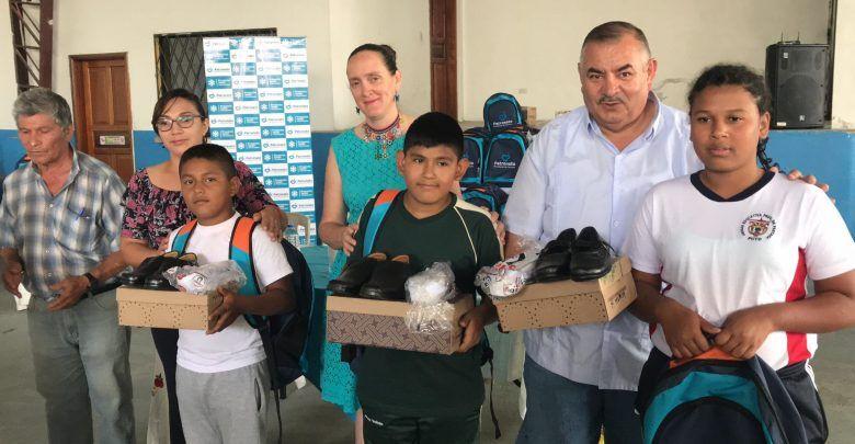 Patronato de Pastaza entrega kits