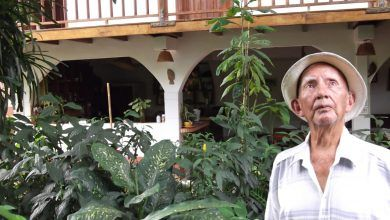 Desde siempre Don Amadeo es amante de la naturaleza y las culturas de las nacionalidades de Pastaza, valor que lo ha inculcado en sus hijos y nietos.