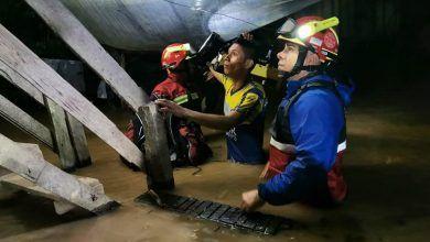 Comandante de los Bomberos informa sobre el rescate que realizaron en el barrio la Isla