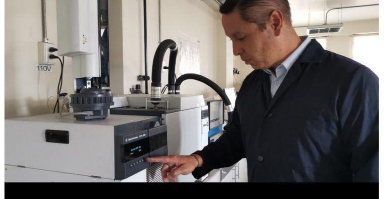 Científico ecuatoriano investiga a las bacterias para crear medicamentos biológicos
