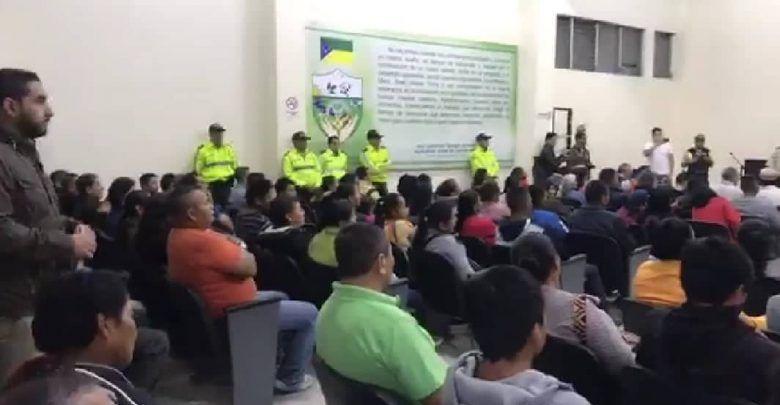 Plantón en Mera en contra del alcalde Guidmon Tamayo