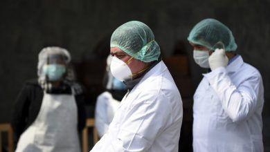 """""""Como en la guerra, tenemos que escoger a quién salvar"""", confiesa médico italiano"""