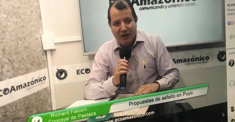 Entrevista con Richard Falconi sobre el tema de Asfaltos en Puyo