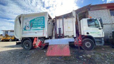Clima deja fuera de servicio a recolector de carga lateral