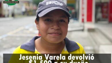 Jesenia Varela entregó $1.500 que se encontró en la calle