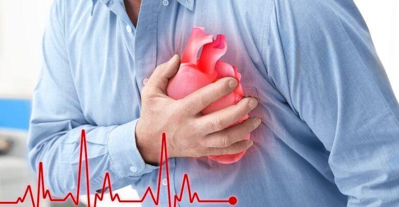 El doctor Mora explica detalles de las enfermedades cardiovasculares