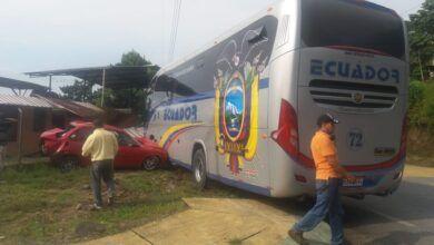 Fuerte accidente de tránsito en el Paso Lateral y calle Pacayacu
