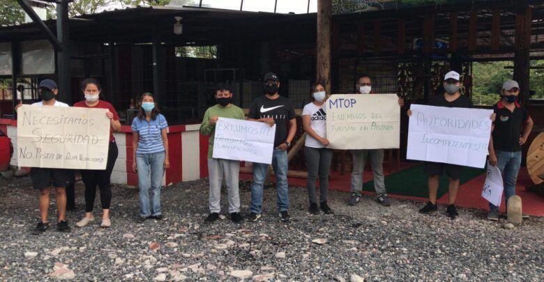Propietarios de negocios en Santa Rosa rechazan trabajos del MTOP