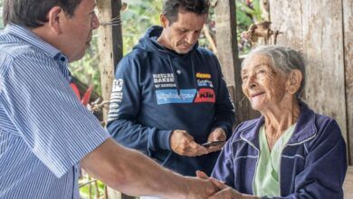 Prefecto participó de una reunión de trabajo con los moradores de la colonia el Sigüin