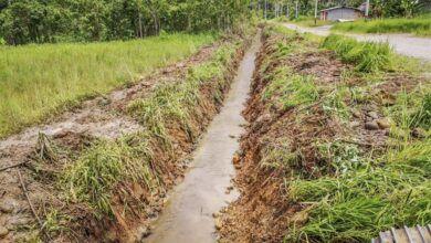 Trabajos de implementación de sistemas de drenaje en la parroquia Simón Bolívar