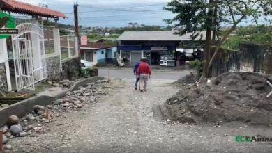 Oswaldo Zúñiga Alcalde del Cantón recorre el Pasaje Los Cedros