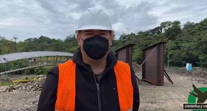 LA OBRA DE LA CONSTRUCCIÓN DEL PUENTE SOBRE EL RÍO PINDO ESTÁ EN EL 70%