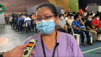 Con la responsable de vacunación del ministerio de salud pública