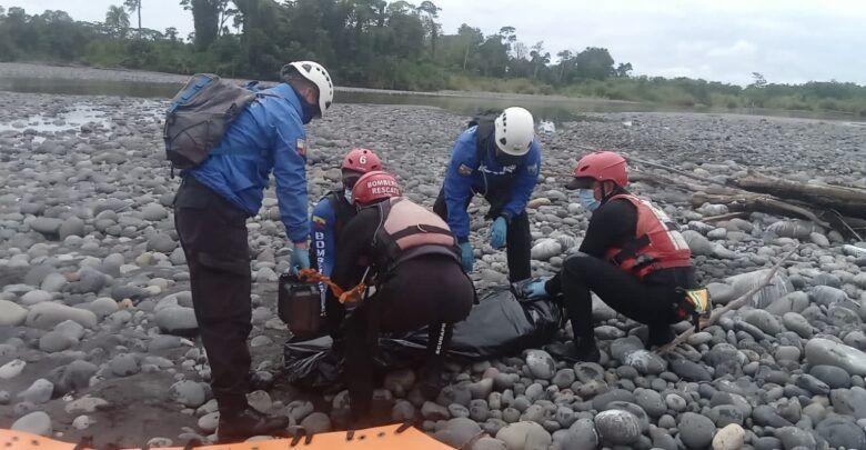 Bomberos rescatan a un cuerpo de Copataza